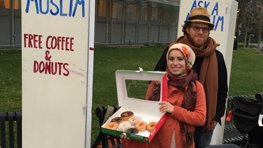 Aksi Hijabers Amerika yang Bagikan Donat dan Kopi untuk Lawan Islamophobia