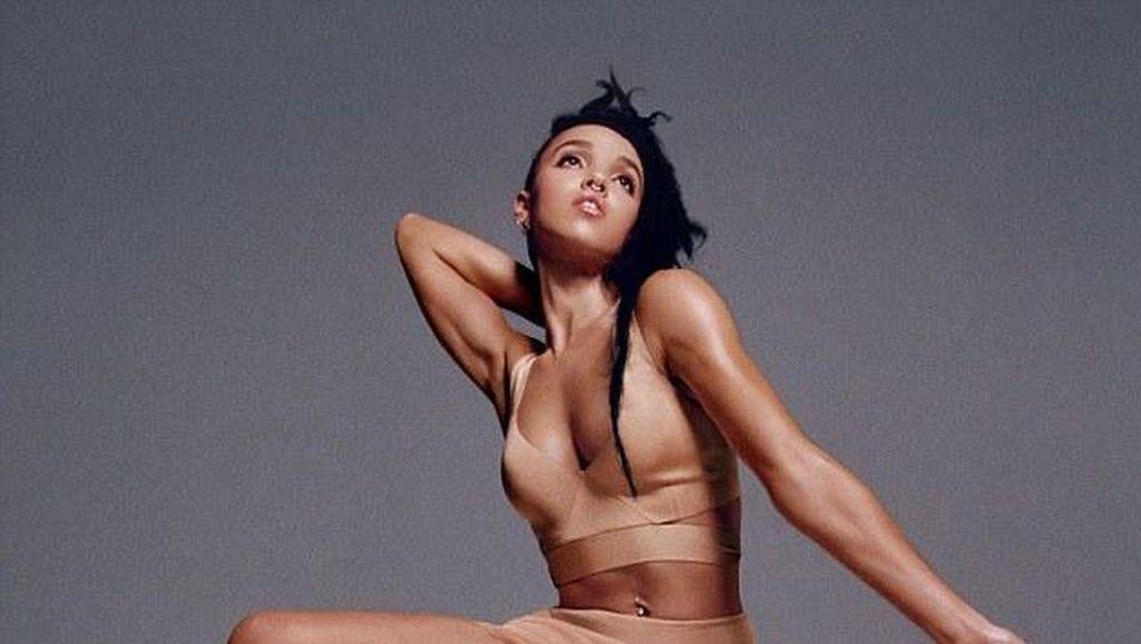 Selain Kendall Jenner, Kekasih R-Patz Ikut Tampil Seksi di Calvin Klein