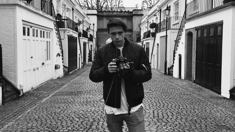 Brooklyn Beckham Rilis Biografi dalam Buku Foto
