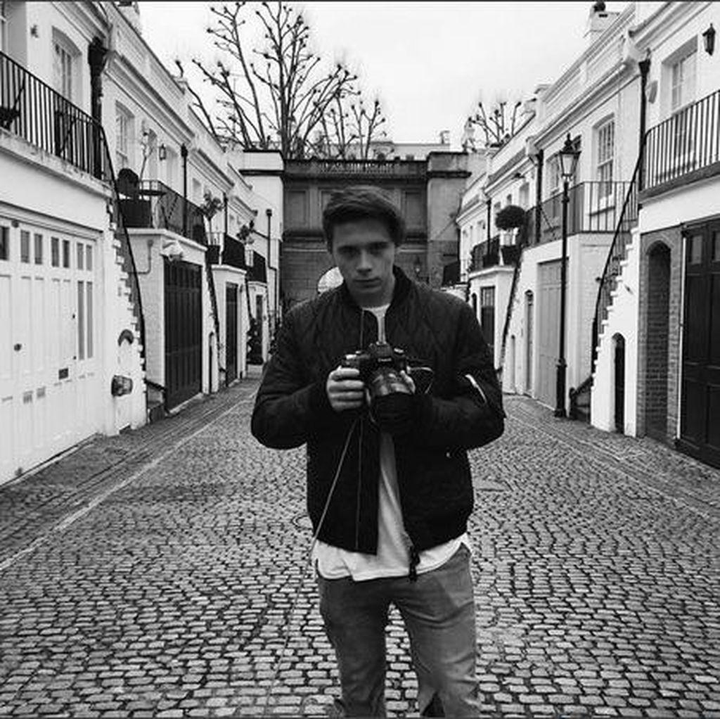 Jadi Fotografer, Brooklyn Beckham Maju Kena Mundur Kena