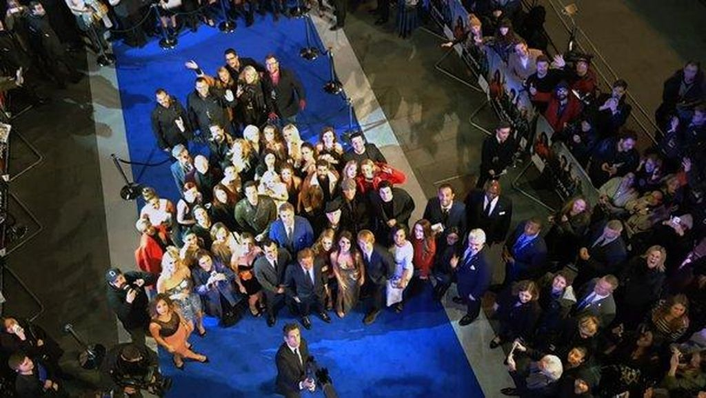 Ben Stiller Pecahkan Rekor Dunia dengan Tongsis Terpanjang