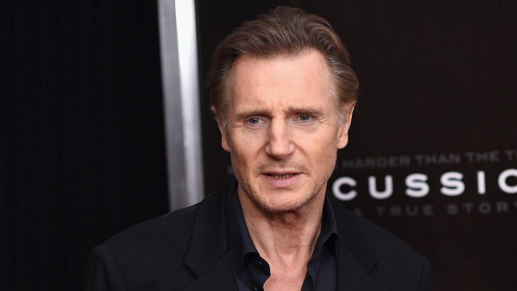 Liam Neeson Sambangi Restoran yang Tawari Makan Sandwich Gratis