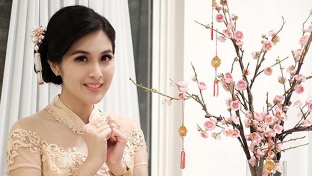 Hidung Astrid Tiar dan Dagu Sandra Dewi Jadi Favorit di Klinik Kecantikan