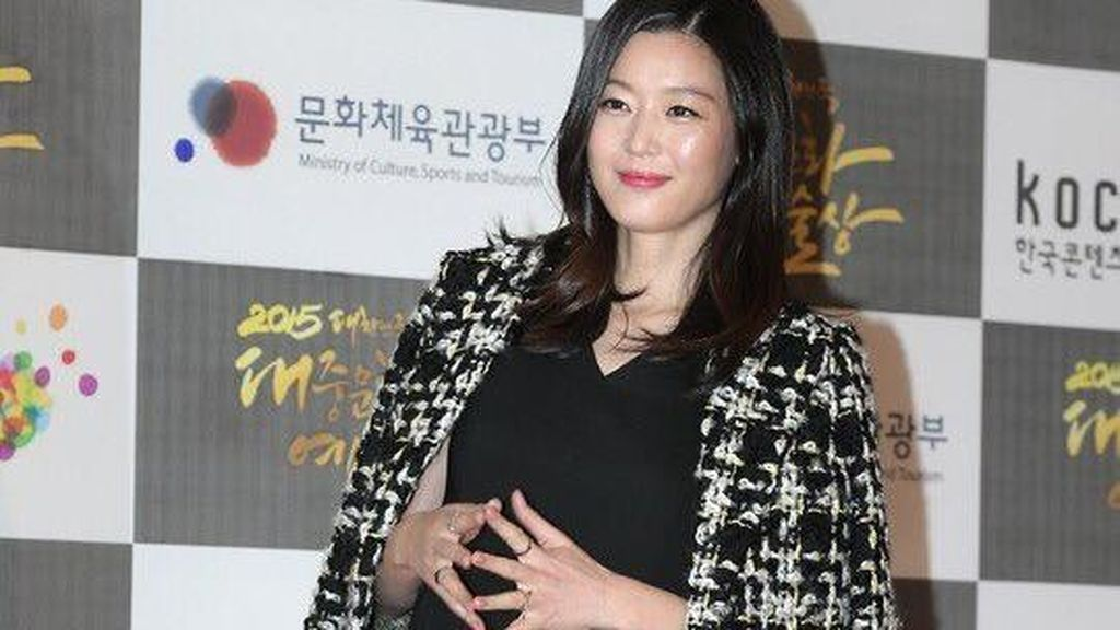 Rahasia Kulit Bening Jun Ji Hyun di Drama The Legend of The Blue Sea