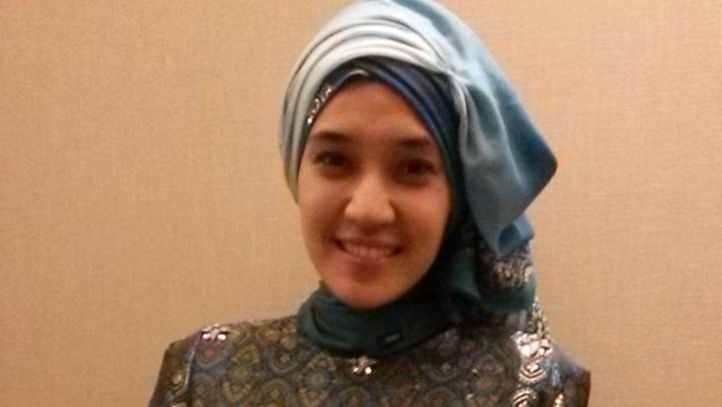 Cerita Dramatis Dhini Aminarti Saat Putuskan Pakai Hijab