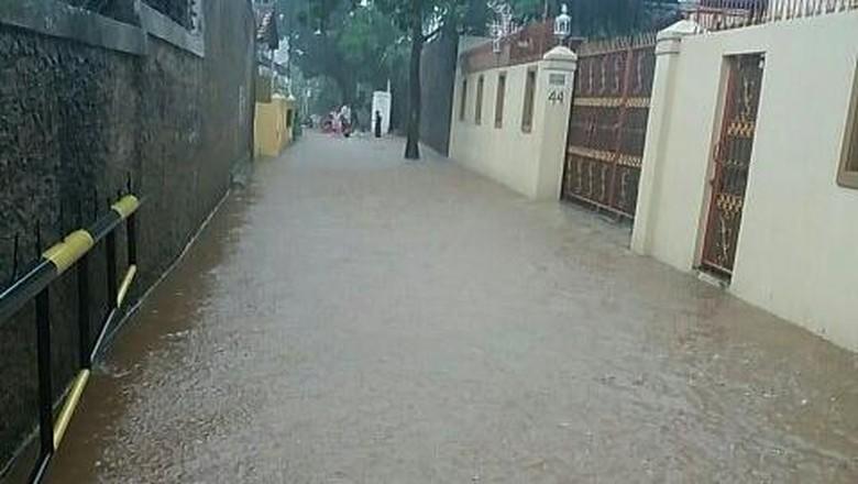 Kampung Pulo dan Sejumlah Permukiman Warga di Jakarta Terendam Air