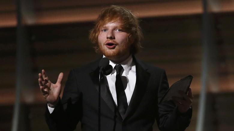 Ed Sheeran Bagikan Lagu Ketiga