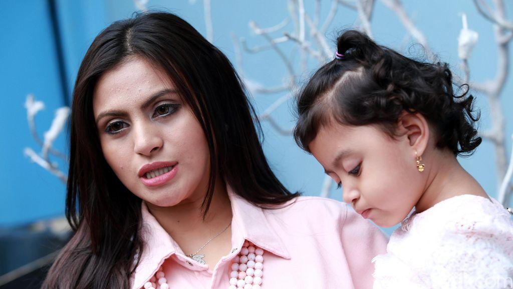 Asha Ashara dan Putri Kesayangannya