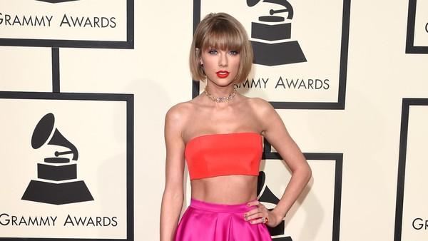 Pidato Kemenangan Taylor Swift Tahun Lalu Jadi Iklan Grammy 2017
