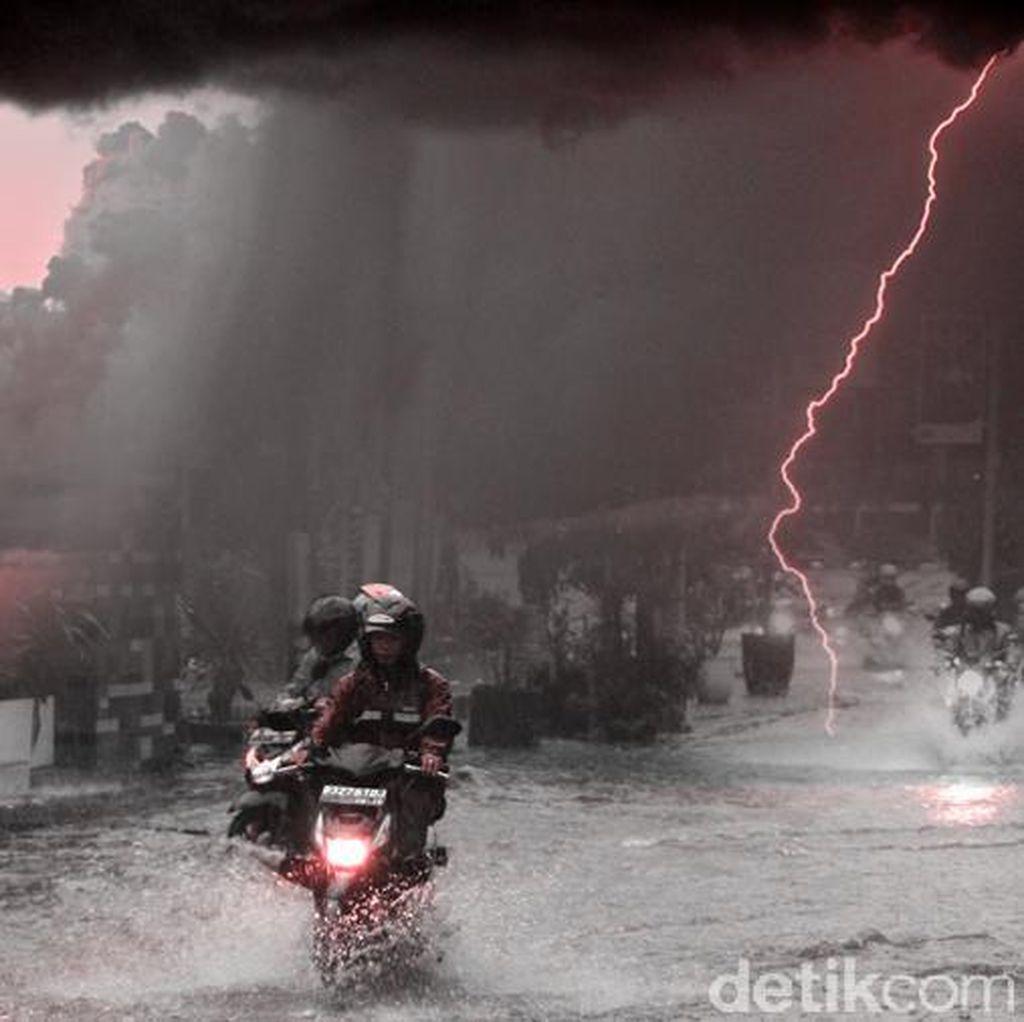 BPBD DKI: Hujan 46 Menit Sebabkan Banjir dan Genangan di Jaksel