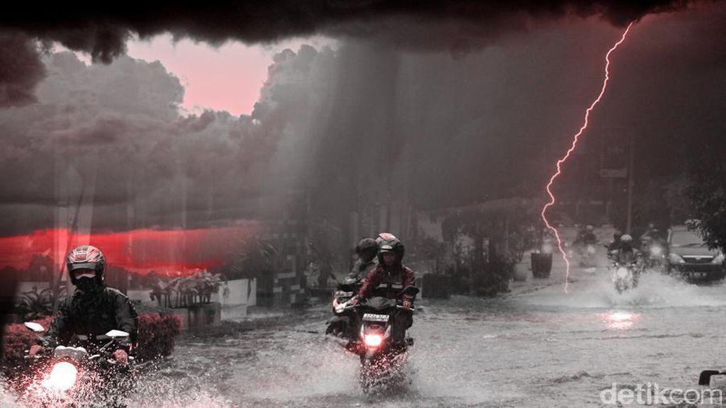 Jabodetabek Diprediksi Hujan Disertai Petir pada Siang Hari