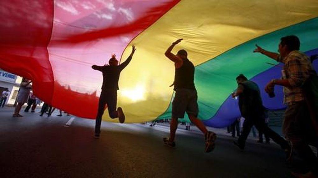 Situs LGBT Bisa Diblokir, Asalkan...