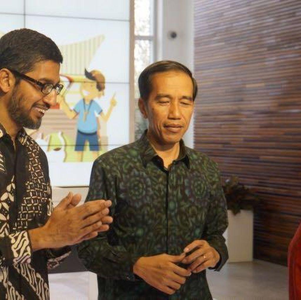 Momen Sundar Pichai Berbatik dan Sambut Jokowi