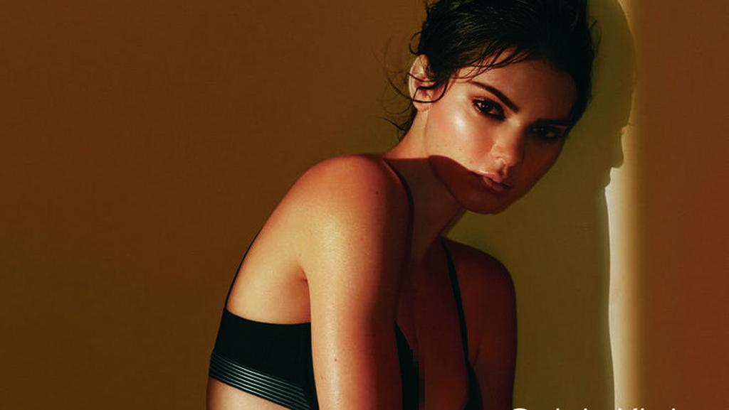 Kendall Jenner Kembali Tampil dengan Underwear Untuk Calvin Klein