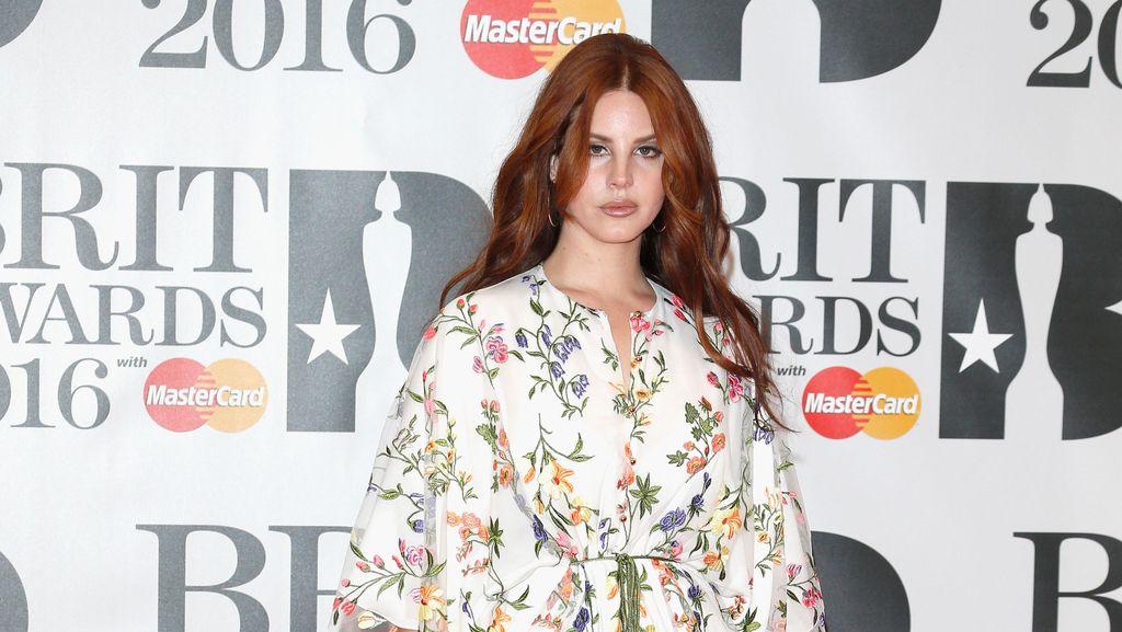 Lana Del Rey Rilis Love untuk Single Baru