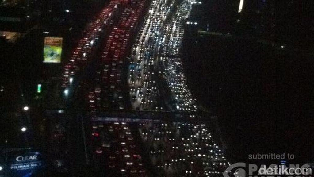 Ruas Tol Purbaleunyi Arah Jakarta Macet Hampir 10 Km