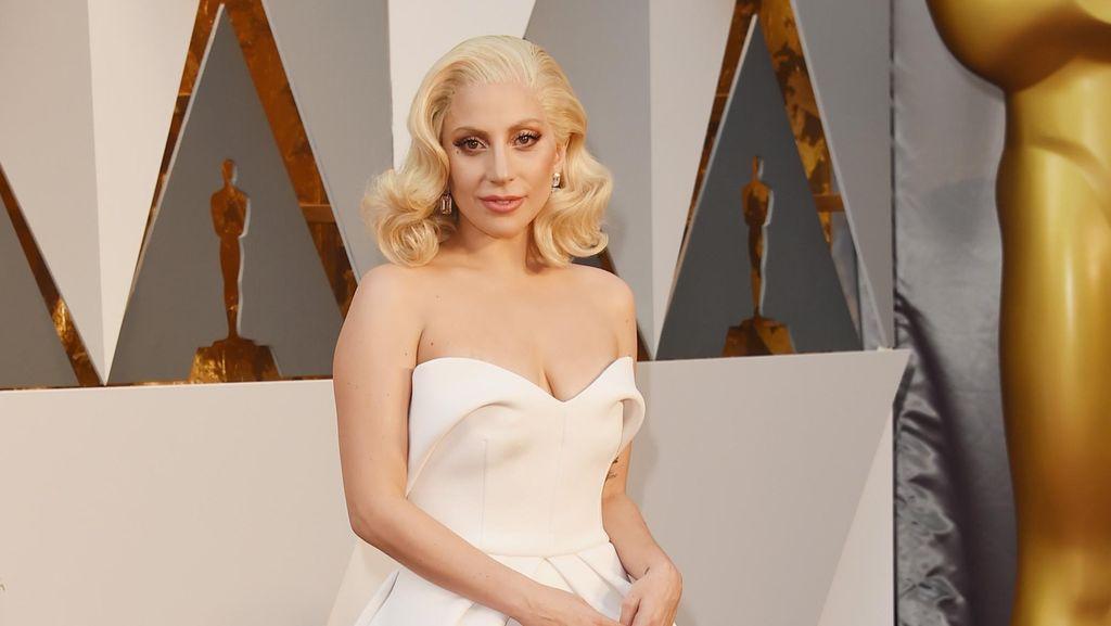 Beauty in White! Parade Selebriti Bergaun Putih di Oscar