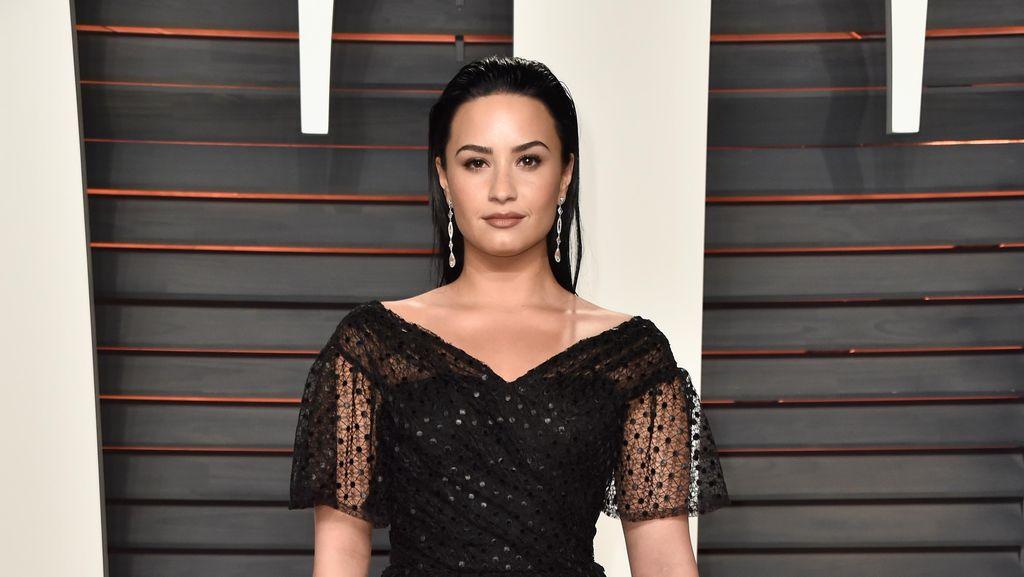Mengaku 1% Berdarah Afrika, Demi Lovato Diserang Haters di Twitter