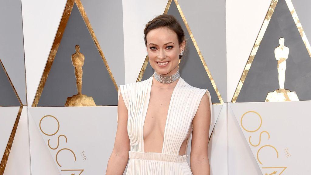5 Gaya Andalan untuk Berpose Seperti Seleb di Karpet Merah Oscar