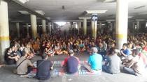 Tepuk Tangan dan Air Mata Warnai Pertemuan Ribuan Pedagang dan PD Pasar