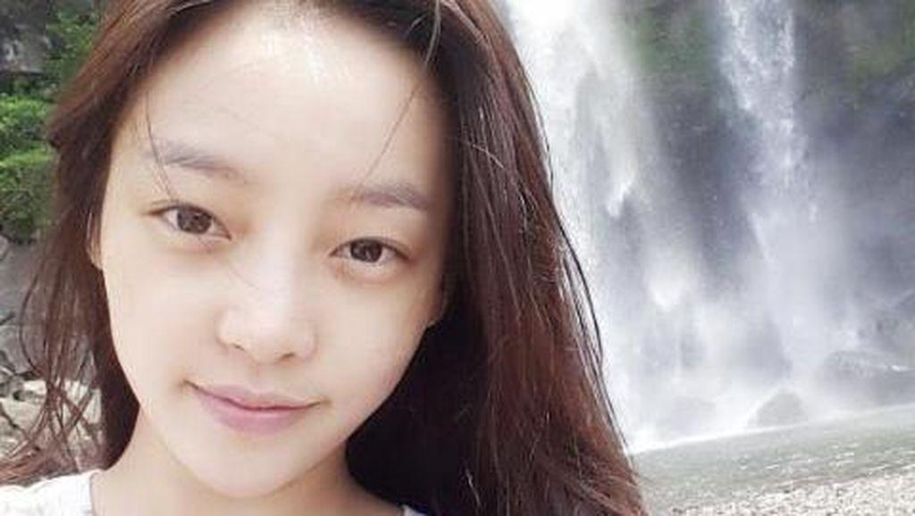 Korean Style: Ketika Dara 2NE1 Hingga Yoona SNSD Selfie Tanpa Makeup