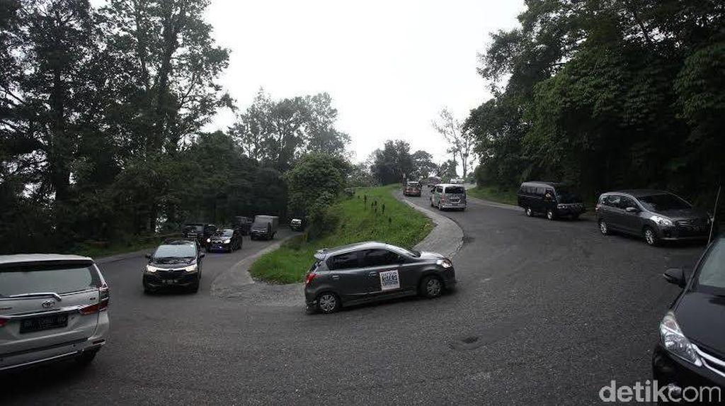 Air Terjun Sipiso Piso Jadi Kenangan Manis Datsun Risers