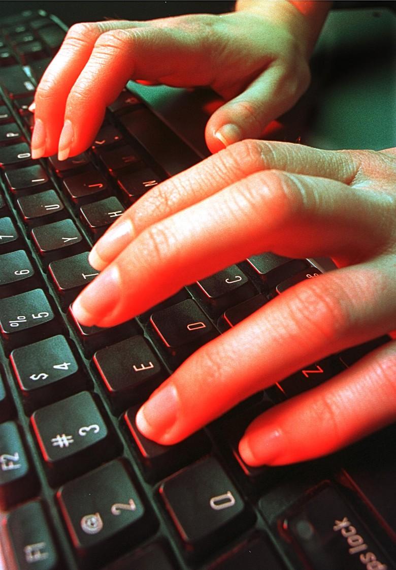 Cara Hacker Kuasai Lelang Pengadaan Barang Pemerintah: Ubah Dokumen Peserta Tender