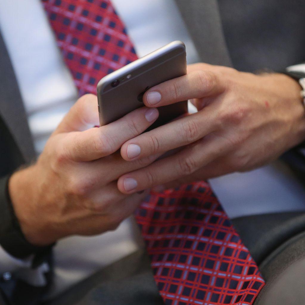 Banyak Mana Konten Negatif di Telegram, Facebook, dan Instagram?