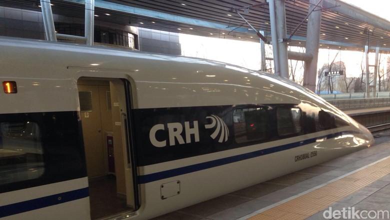 Pertama Kali ke China, Pria Indonesia Terjebak di Kereta Cepat
