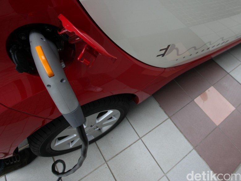 India Berencana Semua Mobil pada 2030 adalah Mobil Listrik