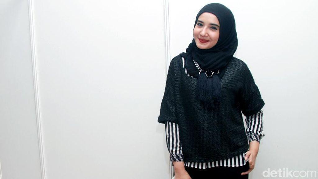 Tutorial Hijab Super Simpel Zaskia Sungkar, Cocok untuk Mudik