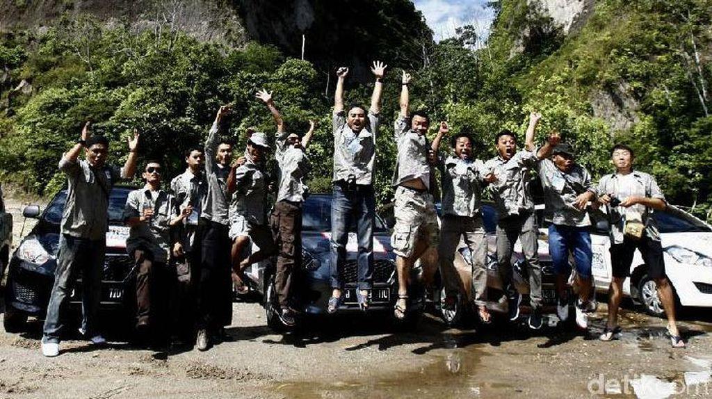 Ngarai Sianok Pikat Datsun Risers Expedition