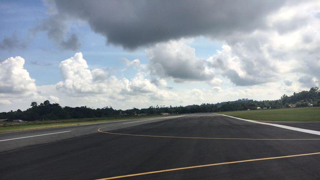 Bandara Juwata dan Sentani Bisa Didarati Boeing 737-800