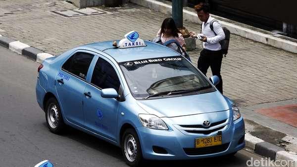 Tarif Taksi Online Diatur, Omzet Taksi Biasa Bisa Naik?