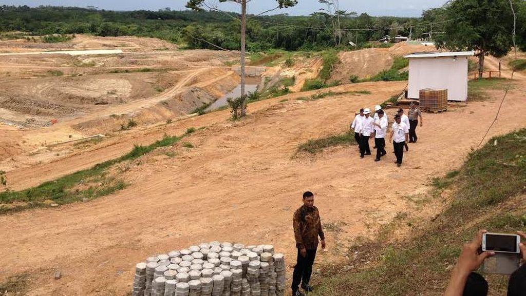 Jokowi Tinjau Proyek Bendungan Teritip, Hasil Duet Pusat dan Daerah