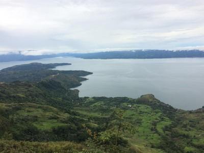 Danau Toba Rasa Swiss dari Panatapan Huta Ginjang