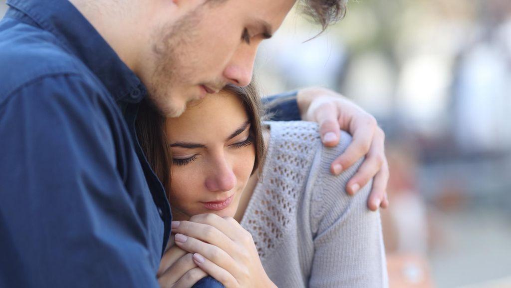 4 Manfaat Pelukan yang Sudah Terbukti Secara Ilmiah
