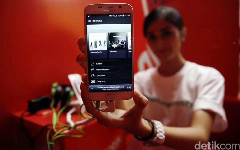 Sektor Telekomunikasi Raup Untung di Tengah Kegaduhan Politik dan Liburan