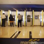 Transaksi ATM Bermasalah, Mandiri: Banyak yang Tarik Uang Gajian