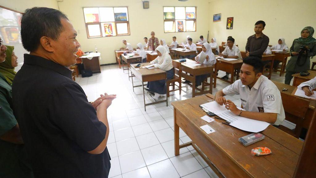 Penerimaan Siswa Baru SMA/SMK di Jabar Tunggu Pergub Selesai