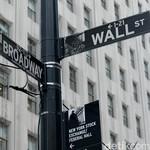 Ekonomi AS Lesu, Wall Street Anjlok