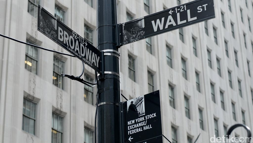 Ekonomi AS Lesu, Wall Street Anjlok