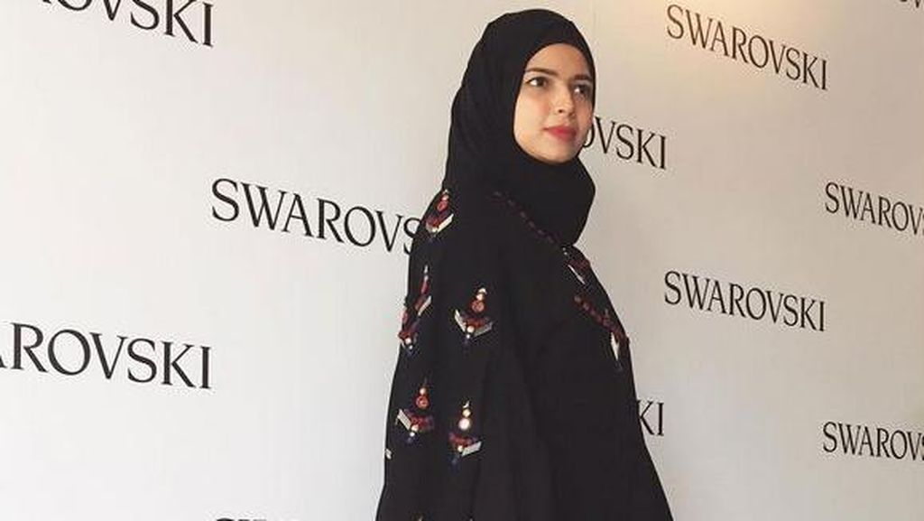 Vivi Zubedi Akan Bawa Pesan Islami Lewat Abaya di New York Fashion Week