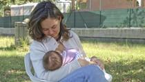 Kata Dokter Soal Anjuran Susui Bayi Baru Lahir Tiap 2 Jam Sekali