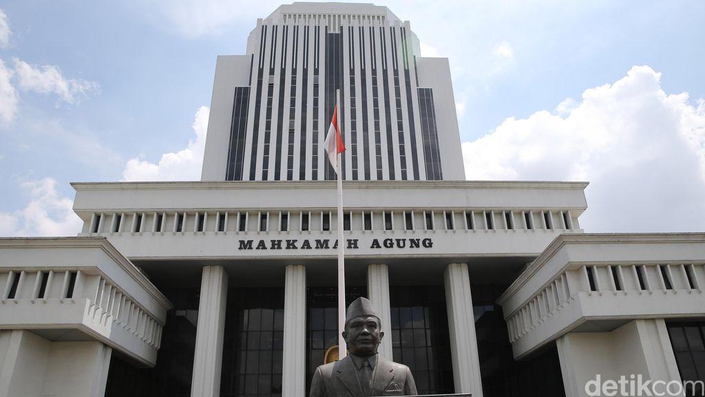 Bayar Rp 1 Juta, Ketua Pengadilan Agama yang Sekamar dengan PIL Dilepaskan