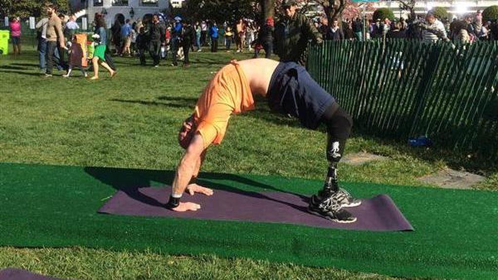 Dan Nevins, Veteran Perang yang Jadi Guru Yoga Usai Kehilangan Kaki