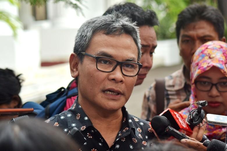 Johan Budi: Reshuffle Tak Tergantung Komentar Parpol Pendukung