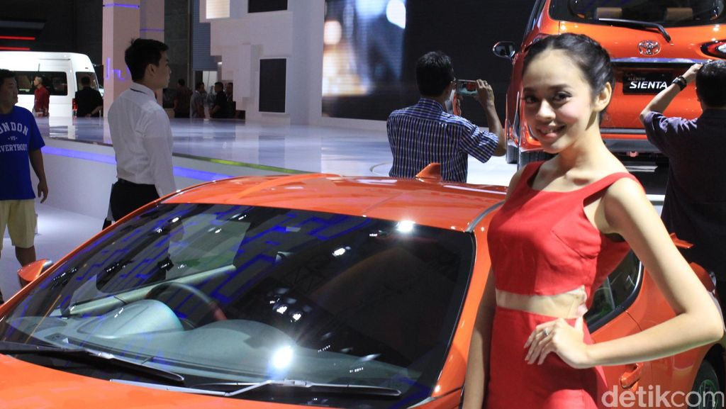 Toyota Pamer Puluhan Mobil di GIIAS