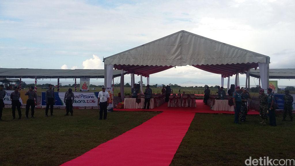 13 Personel Penerjun TNI AL Siap Meriahkan Festival Pesona Tambora