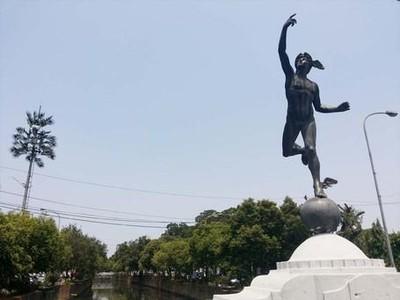 Aneka Patung Keren di Jakarta yang Luput dari Perhatian Turis